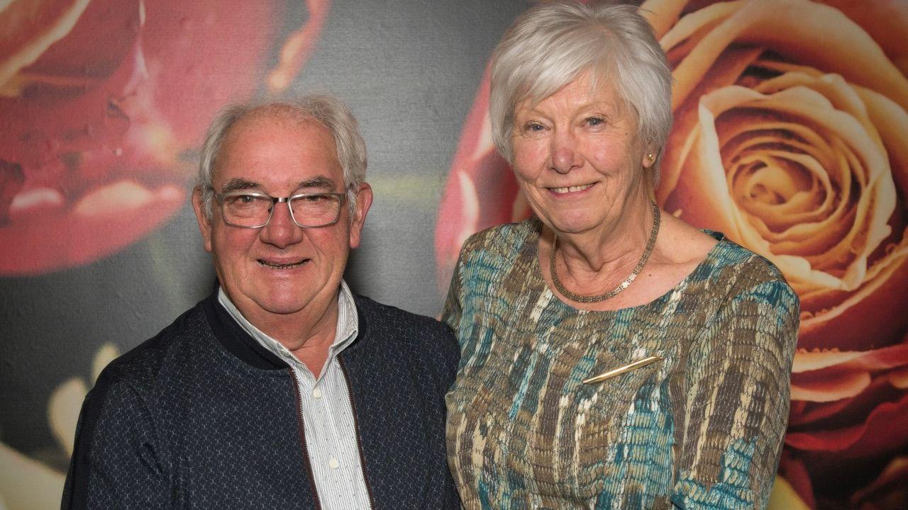 Dubbele onderscheiding voor Rosmalens echtpaar Van Straten