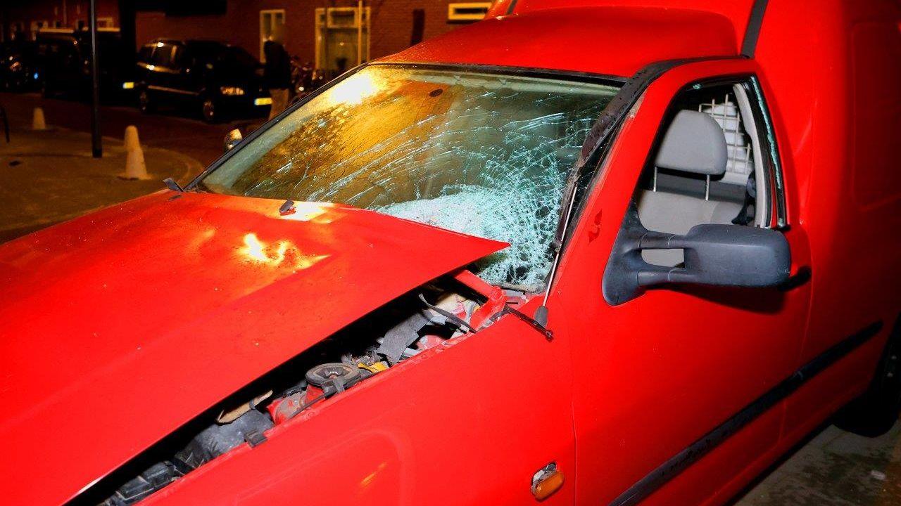 Twee auto's opgeblazen in de Graafsewijk in Den Bosch