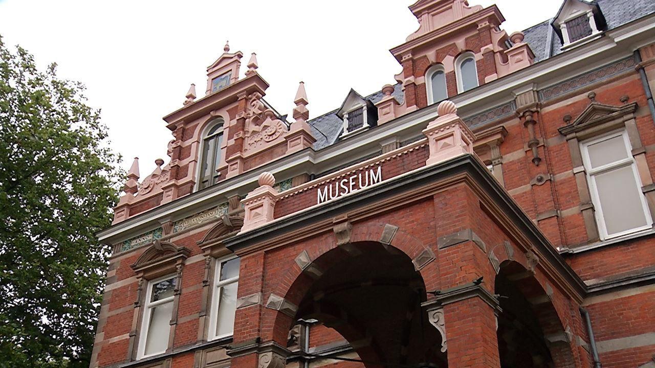 Nieuwe tentoonstelling Museum Jan Cunen: 'Het is bij ons veiliger dan in een supermarkt'