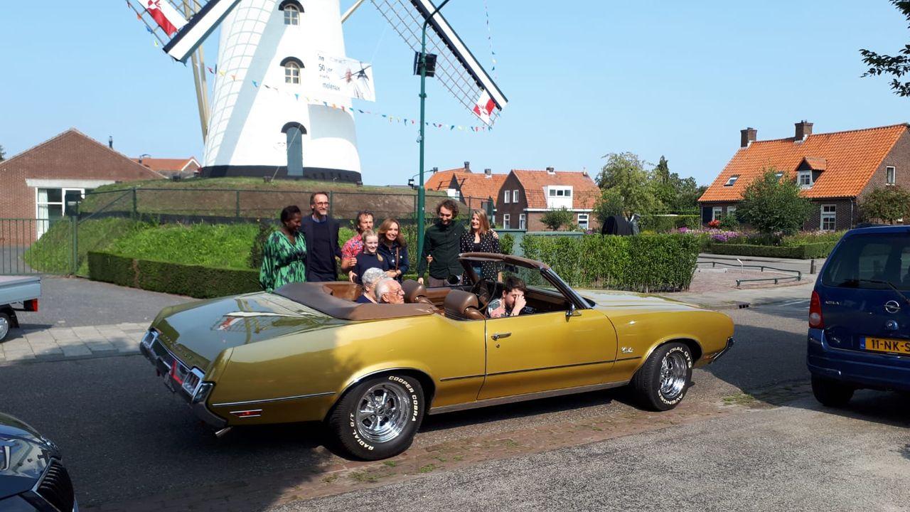 Jan Smolenaers in het zonnetje gezet voor 50 jaar trouw aan de molen in Vorstenbosch
