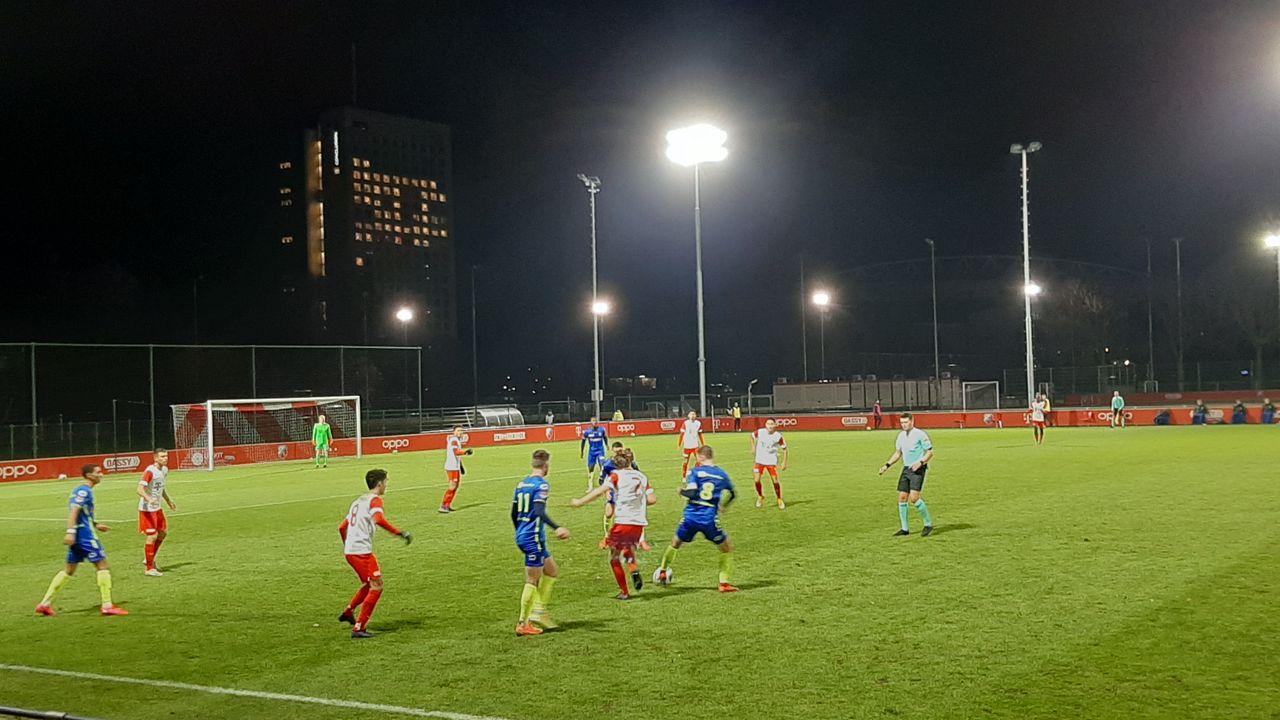 TOP Oss zet Jong Utrecht aan de kant met gescoorde strafschop