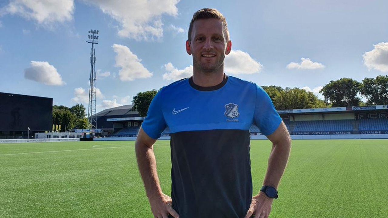 Oud-aanvoerder FC Den Bosch traint op Eindhovens voetbalveld