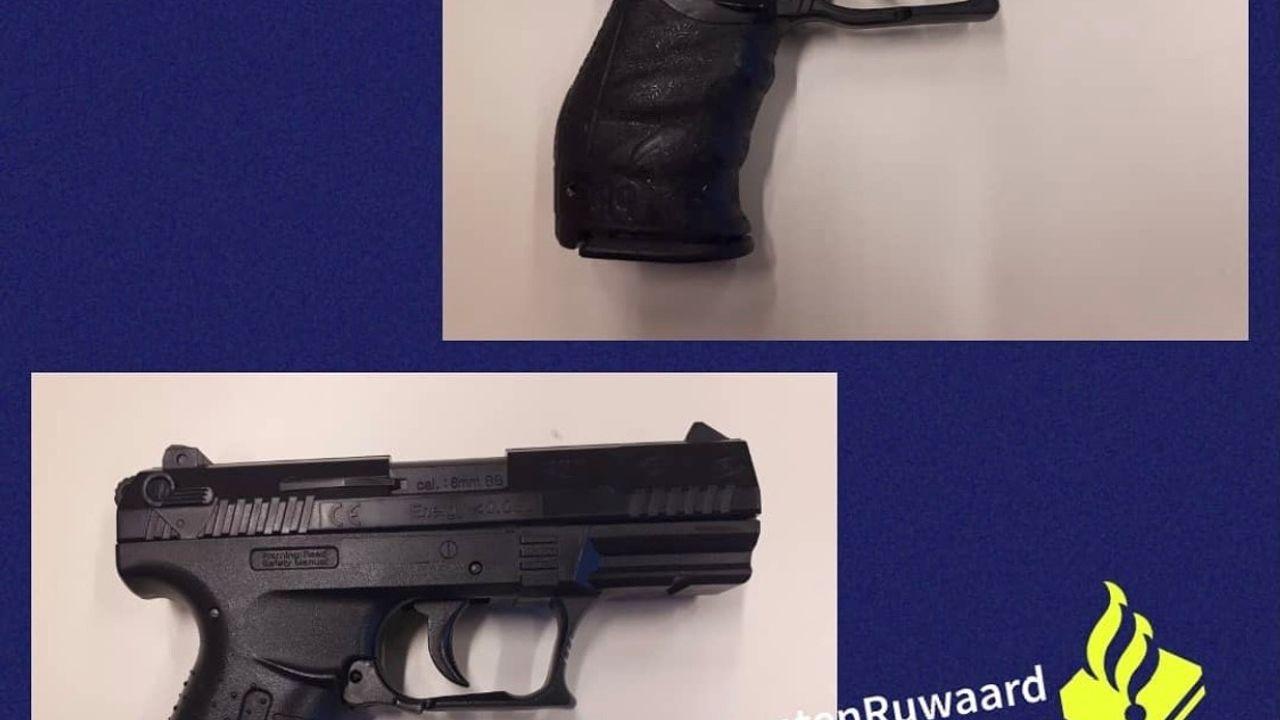 Jongetje van elf richt pistool op winkelend publiek bij winkelcentrum Heihoek in Oss