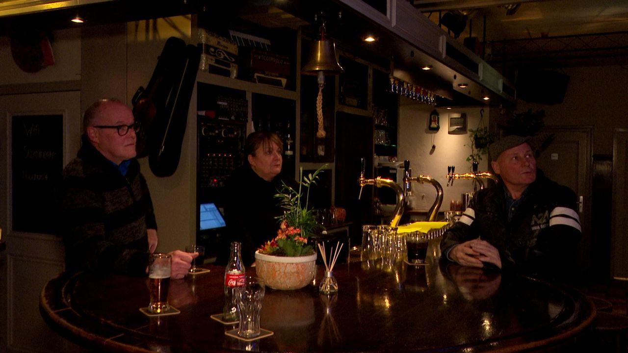 Verslagen kijken horeca-eigenaren naar de persconferentie: 'Triest, we worden er helemaal ziek van'