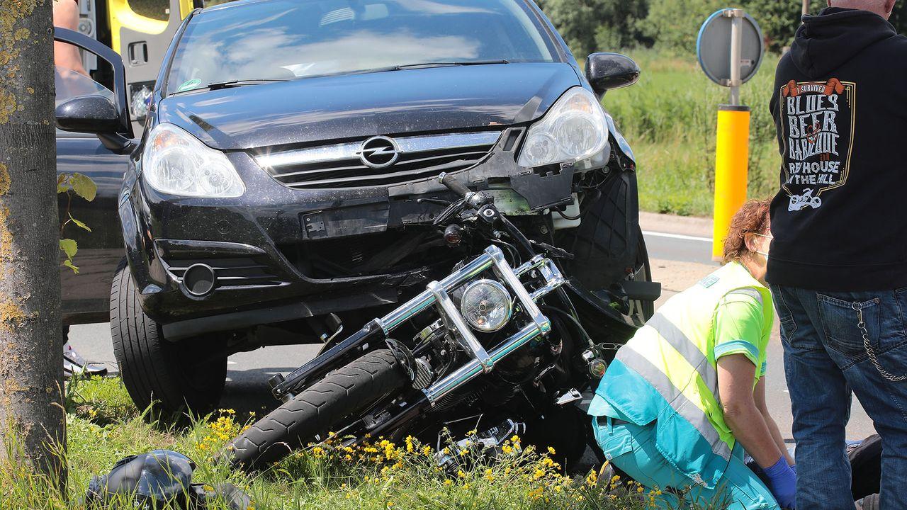 Motorrijder gewond na aanrijding met auto in Lithoijen