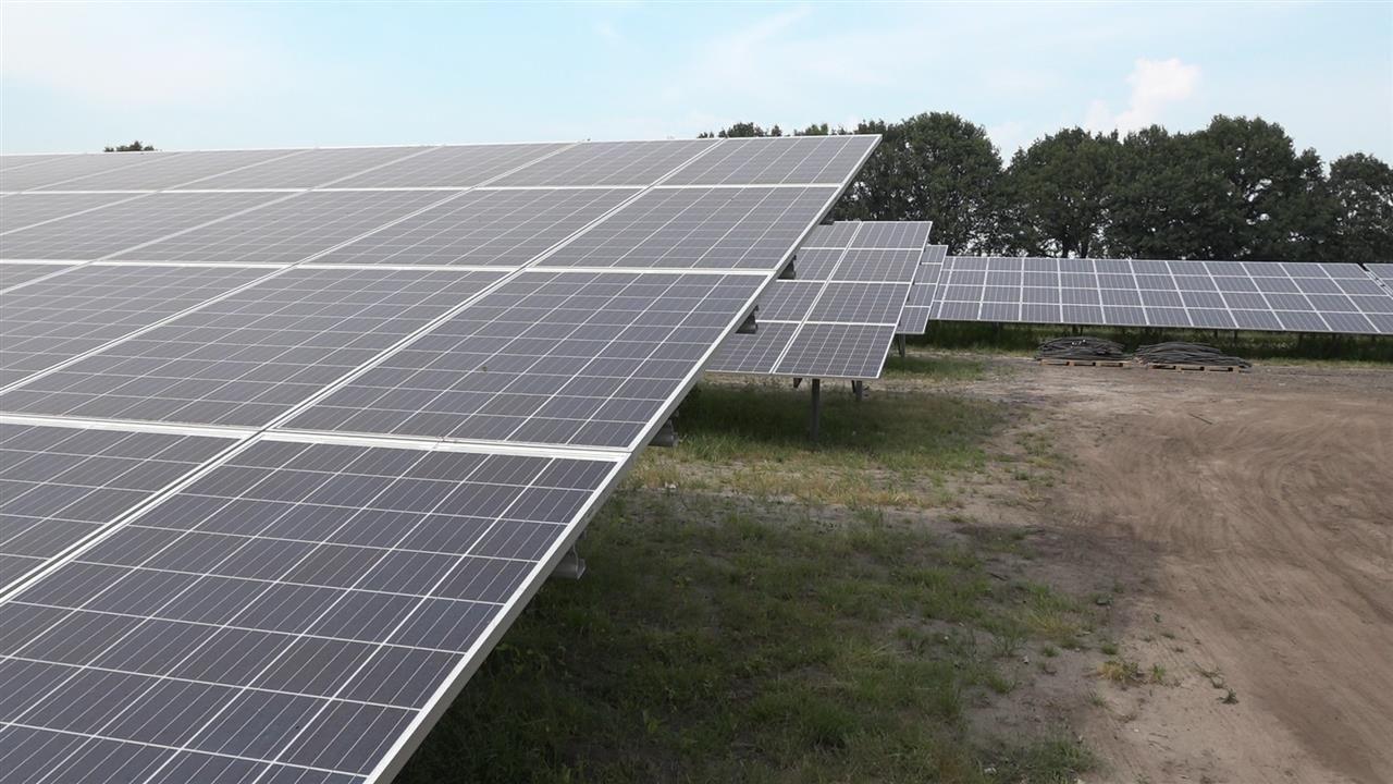 Bernheze kiest voor zonnepanelen op land; raad houdt wel laatste woord