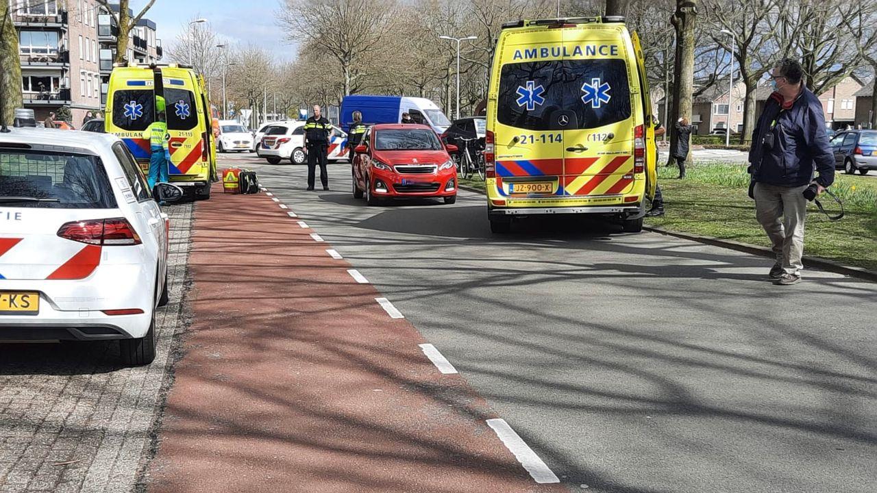 Fietsster gewond bij aanrijding met auto in Oss