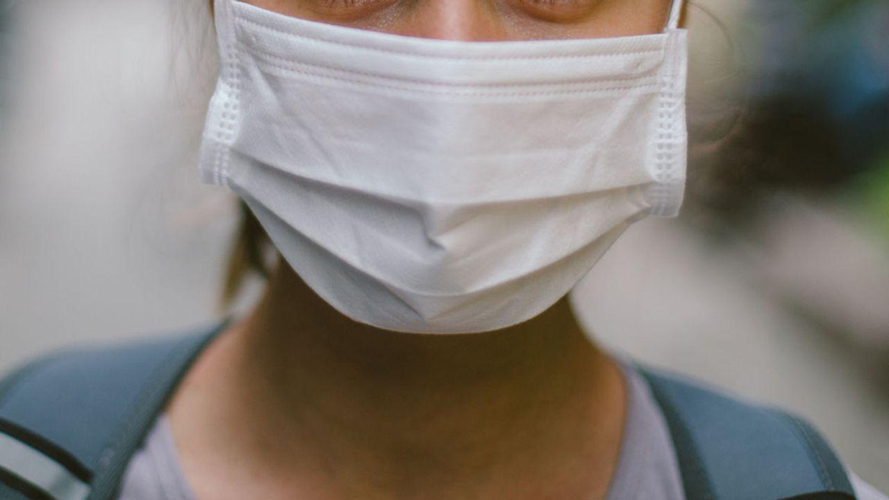 Gratis mondkapjes op gemeentehuis Oss voor mensen met laag inkomen
