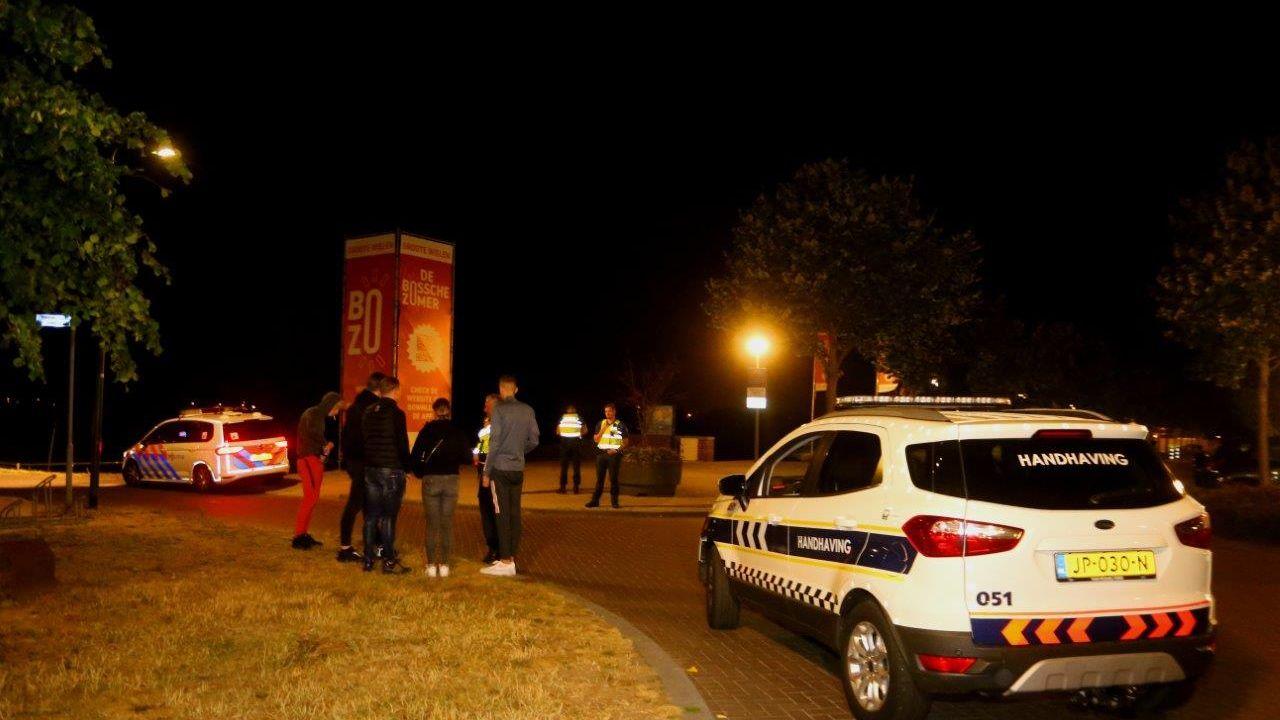 Grote politieaanwezigheid in Rosmalen om 'Project X-feest' te voorkomen