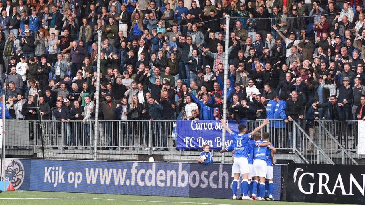 FC Den Bosch-seizoenkaarten in trek