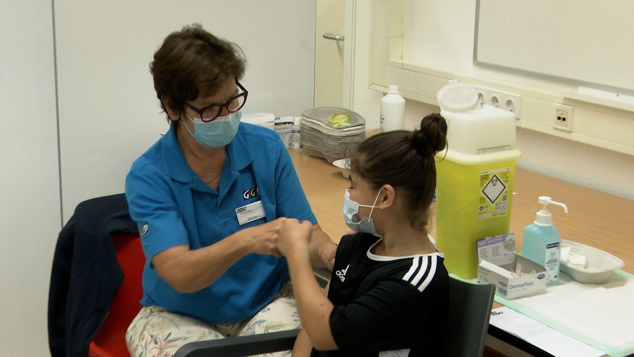Mede dankzij schooldirecteur Olcay laat ook de Hambaken zich vaccineren: 'De drempel is lager geworden'