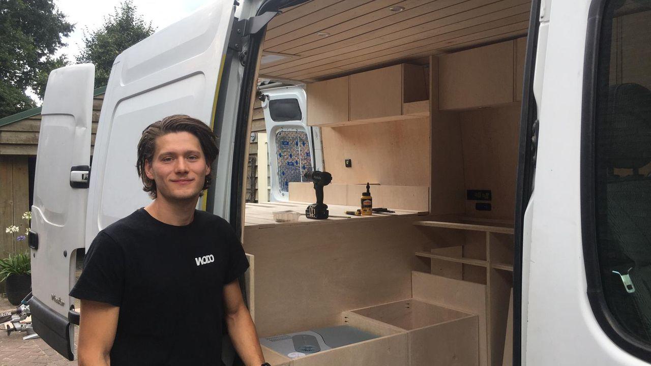 """Wout vervult jongensdroom en bouwt eigen camper: """"Ik wil dit al zó lang"""""""