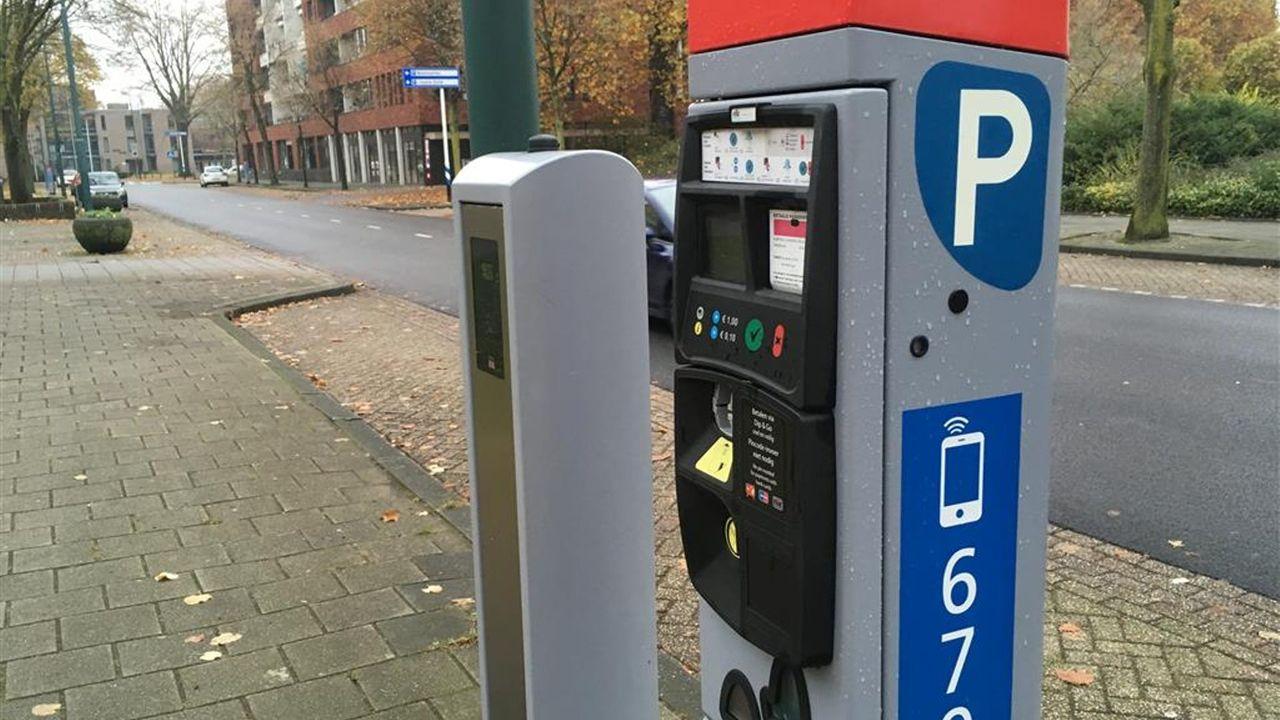 Geen muntjes meer in de auto: Den Bosch doet parkeerkaartjes in de ban