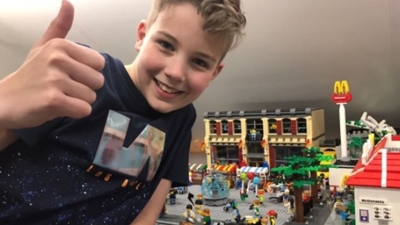 12-jarige Mitchel uit Vinkel wint thuisopdracht Lego Masters