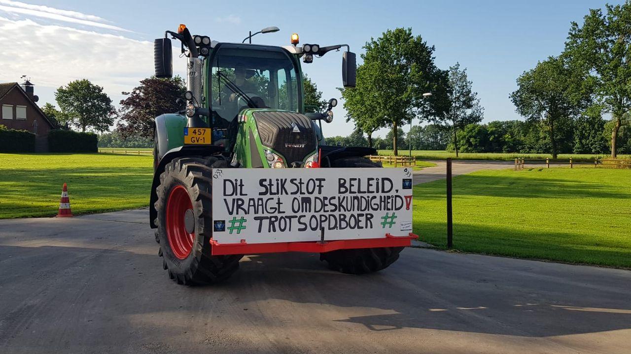 Eerste boeren verzamelen in Schaijk voor protest