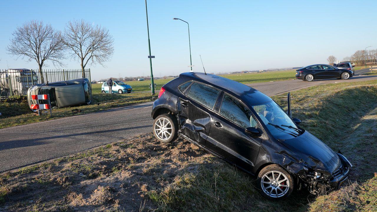 Voor de zoveelste keer raak op berucht kruispunt in Oss, twee auto's botsen op elkaar