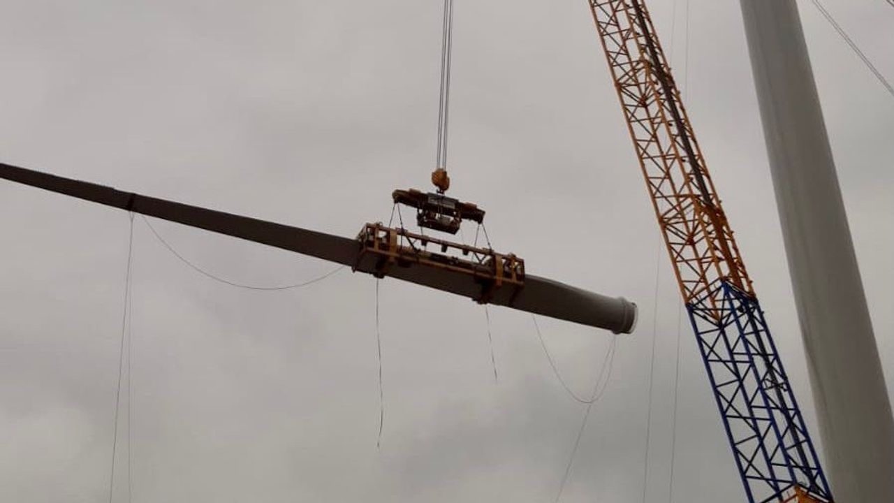 Nieuwe Bossche windmolen krijgt zijn wieken
