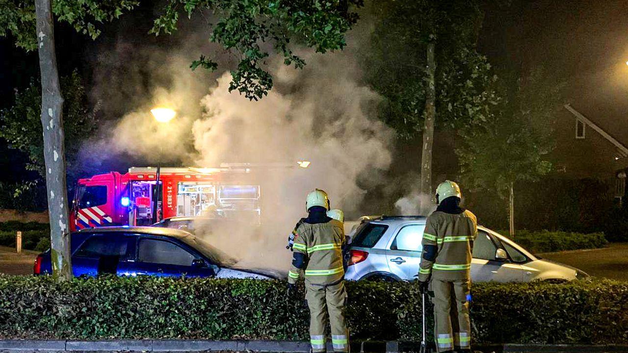 Autobrand aan de Rode Akker in Uden