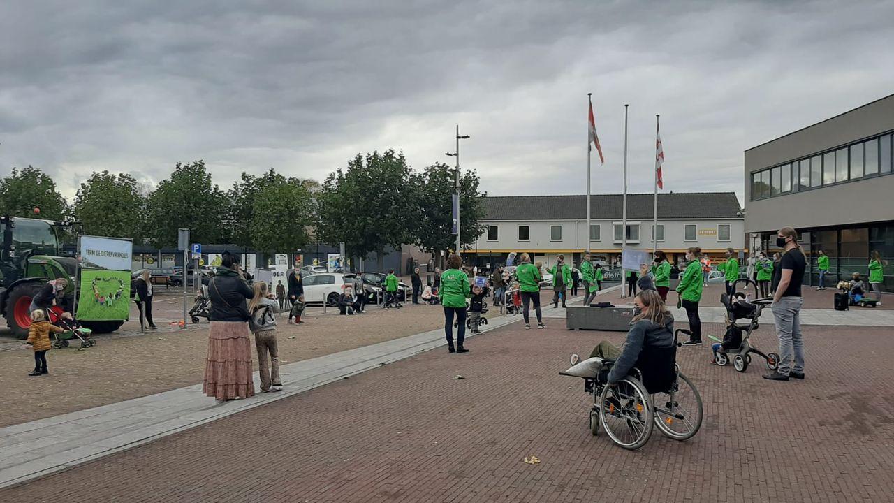 Kinderopvang De Dierenvriendjes in actie bij gemeentehuis