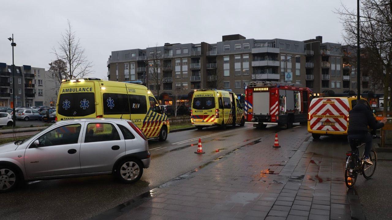 Verkeer plat rond Raadhuisplein Veghel na aanrijding
