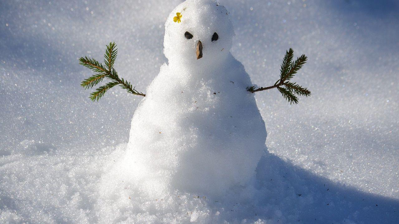 Winterpret in de Maaspoort: Sneeuwpopwedstrijd voor snoepzak