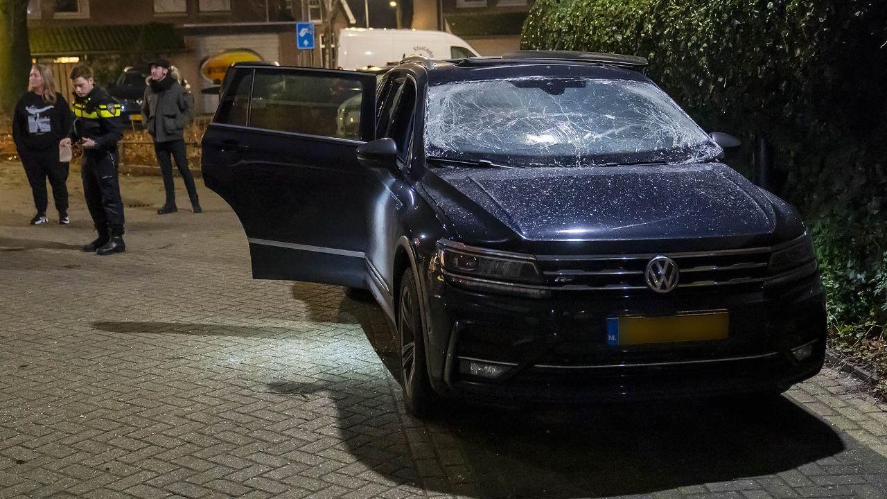 Explosie in auto door zwaar vuurwerk in Oss