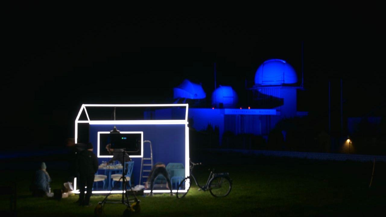 Sterrenwacht Halley duikt op in 'postcard' Eurovisie Songfestival
