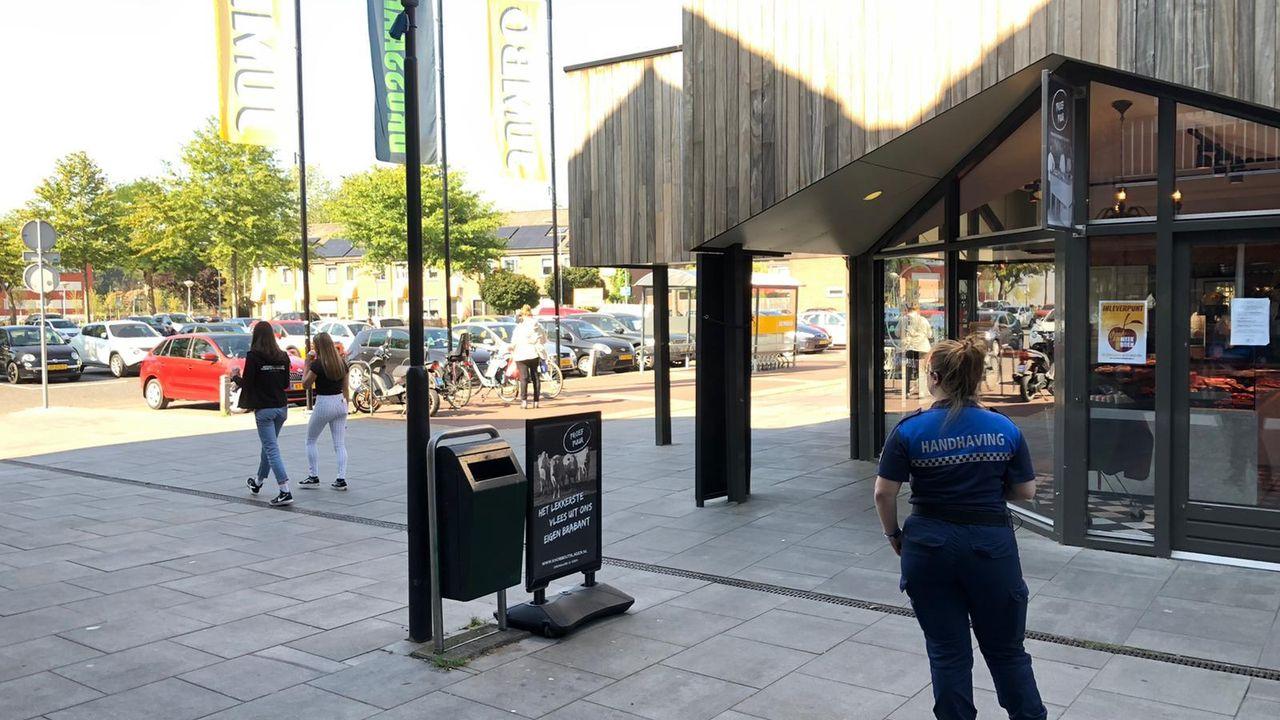 Leerlingen Udens College geweigerd bij winkelcentrum De Drossaard