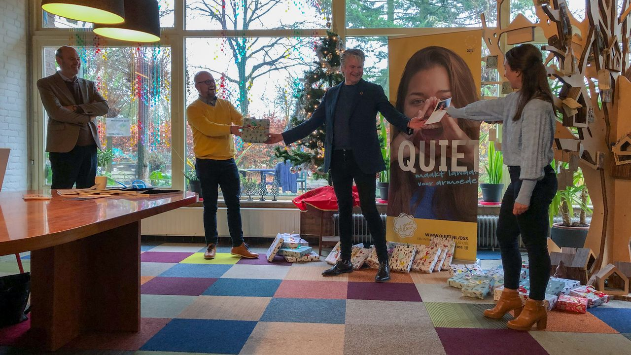 Cadeaus en kaartjes voor speciale voorstelling voor Osse gezinnen die leven in armoede