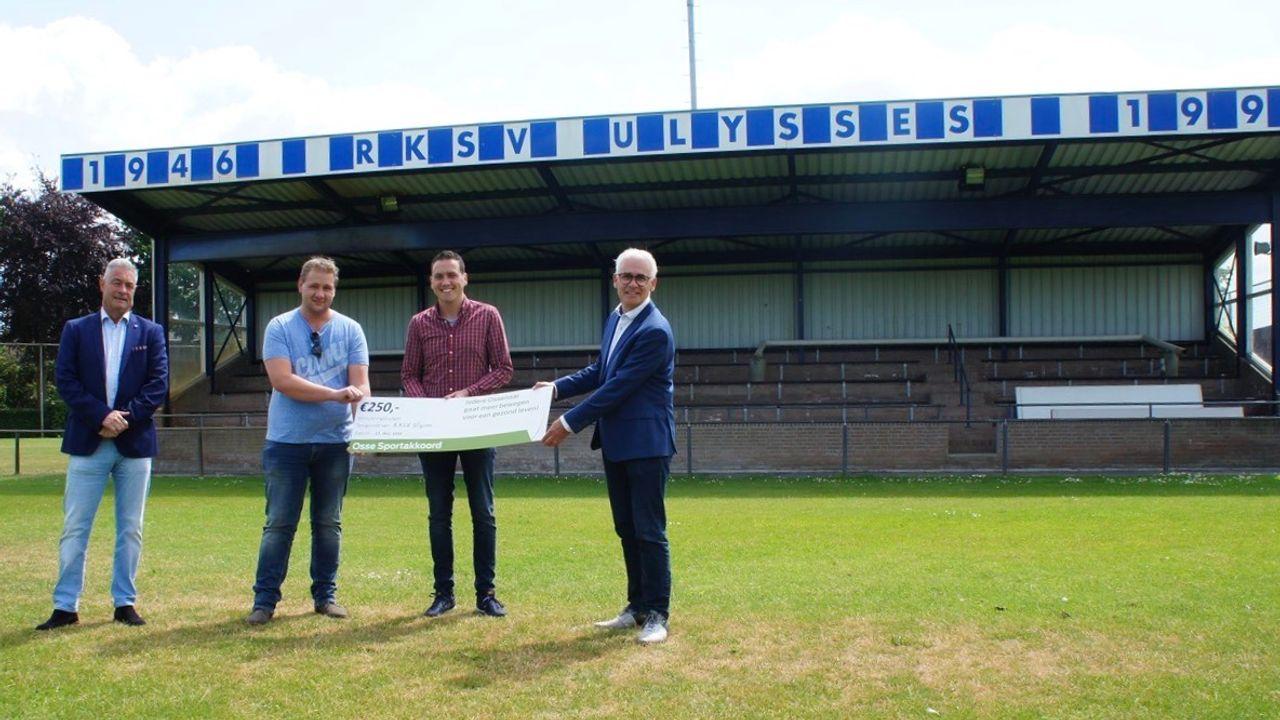 Zes Osse organisaties beloond met cheque vanuit Sportakkoord