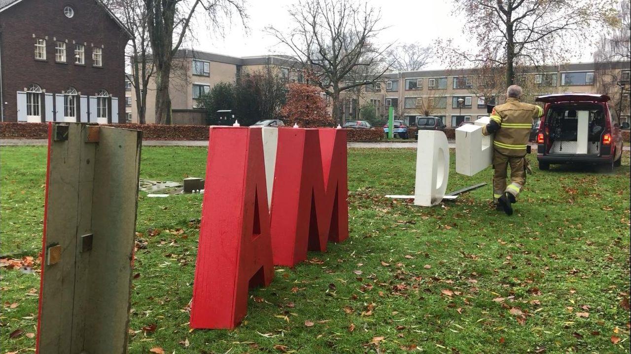 Vernielde 'I Am Hadee'-letters opgehaald voor reparatie
