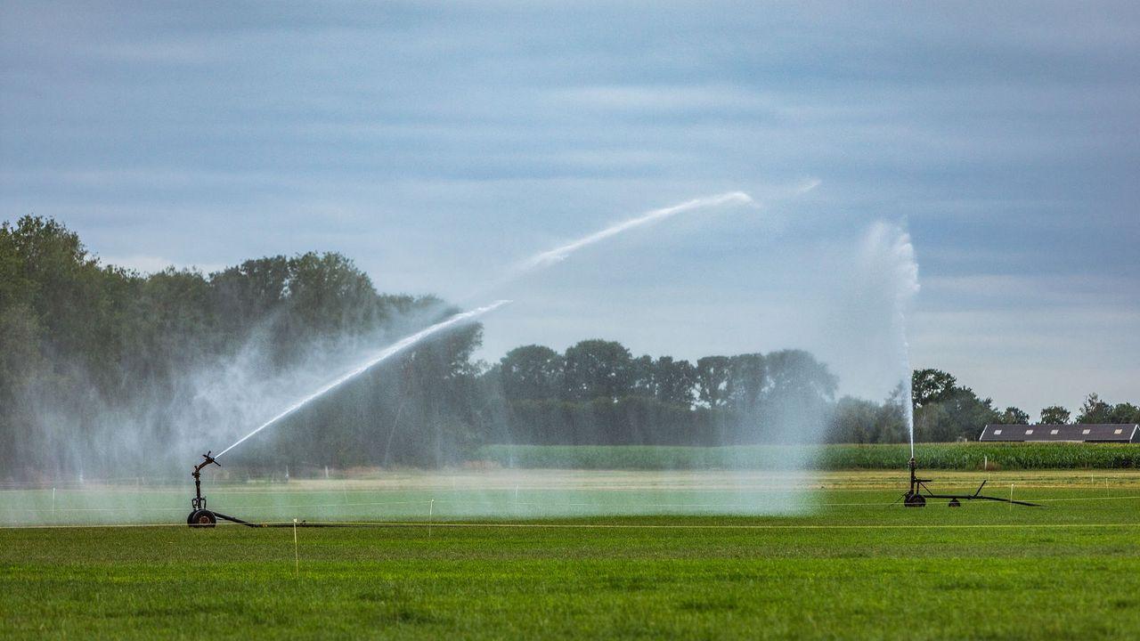 Beregening met grondwater toegestaan, maar grondwatertekort nog niet ingelopen