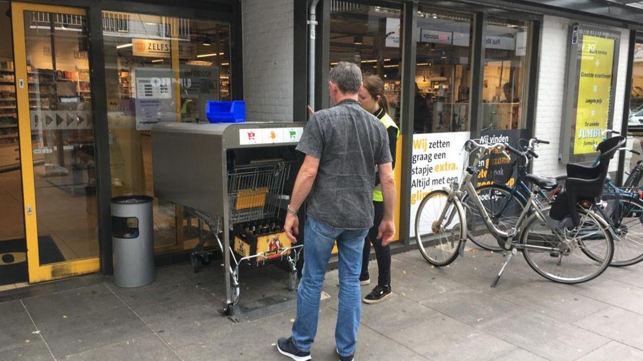 Udense supermarkt komt met 'wasstraat' voor winkelwagens