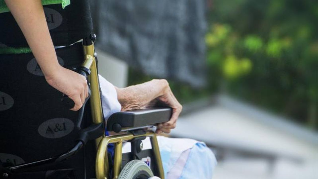 Minister trapt proefproject dementie af