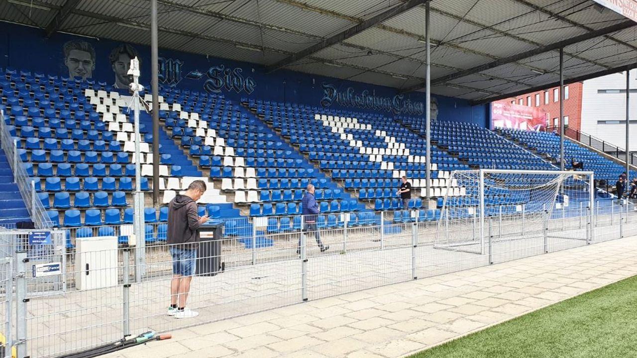 De M-Side van FC Den Bosch geeft de stoeltjes in het stadion een makeover