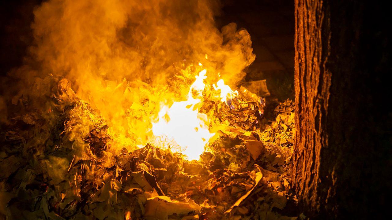 Oud papier in brand gestoken voor woning aan Mettegeupelstraat in Oss