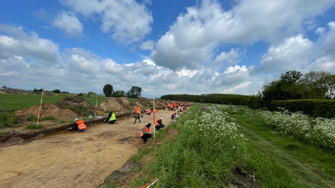 Resten van grafheuvel en waterputten gevonden bij opgravingen Gewandeweg
