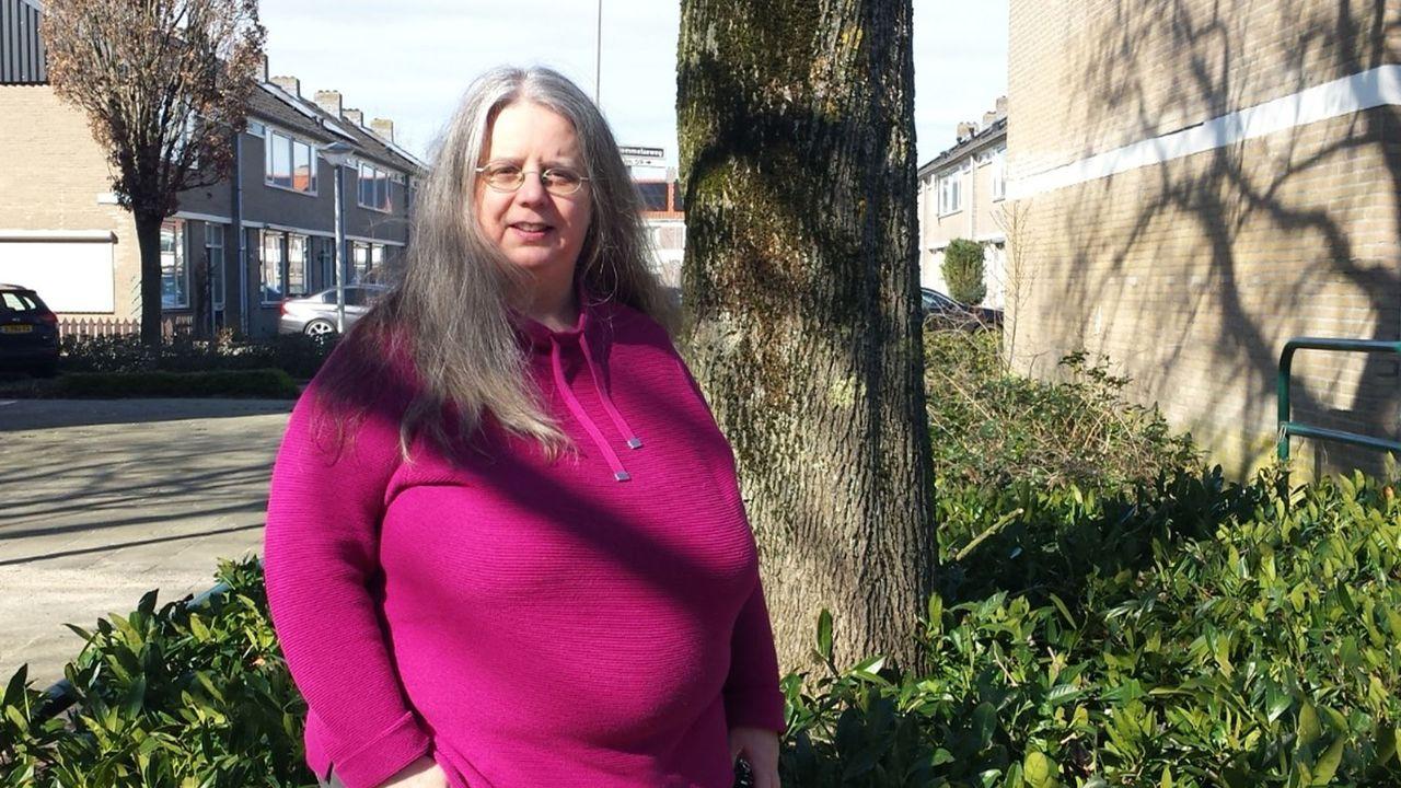 Helga (51) uit Overlangel: 'Mij krijgen ze niet klein, want dat ben ik al'