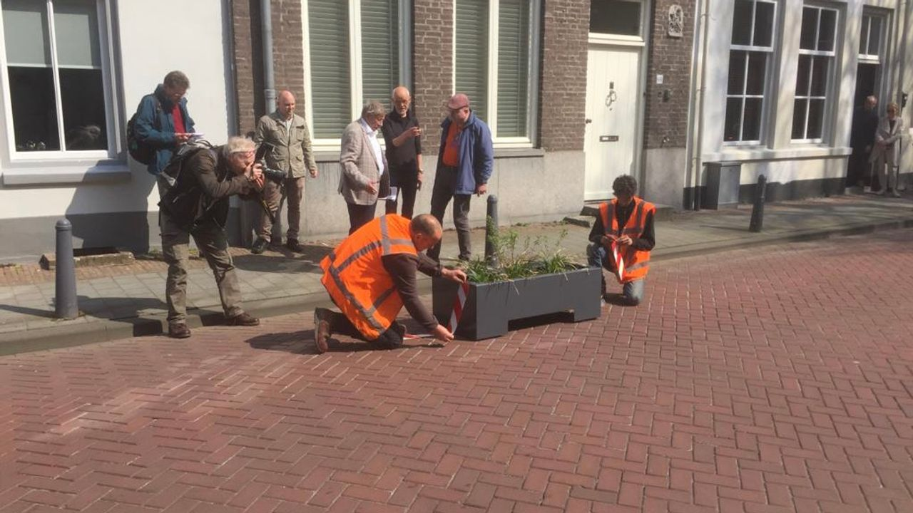Bloembakken moeten einde maken aan racen in Sint Jorisstraat in Den Bosch