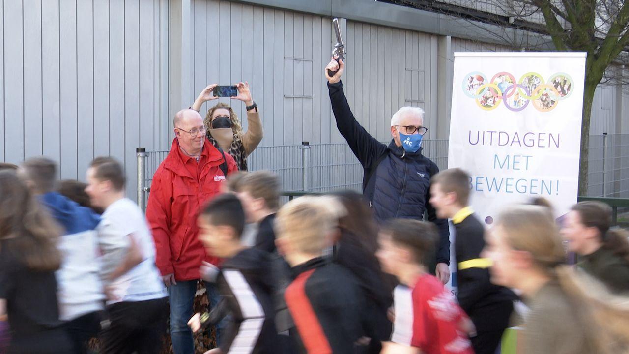 The Daily Mile: basisschoolkinderen rennen met Wennemars en Knijnenburg