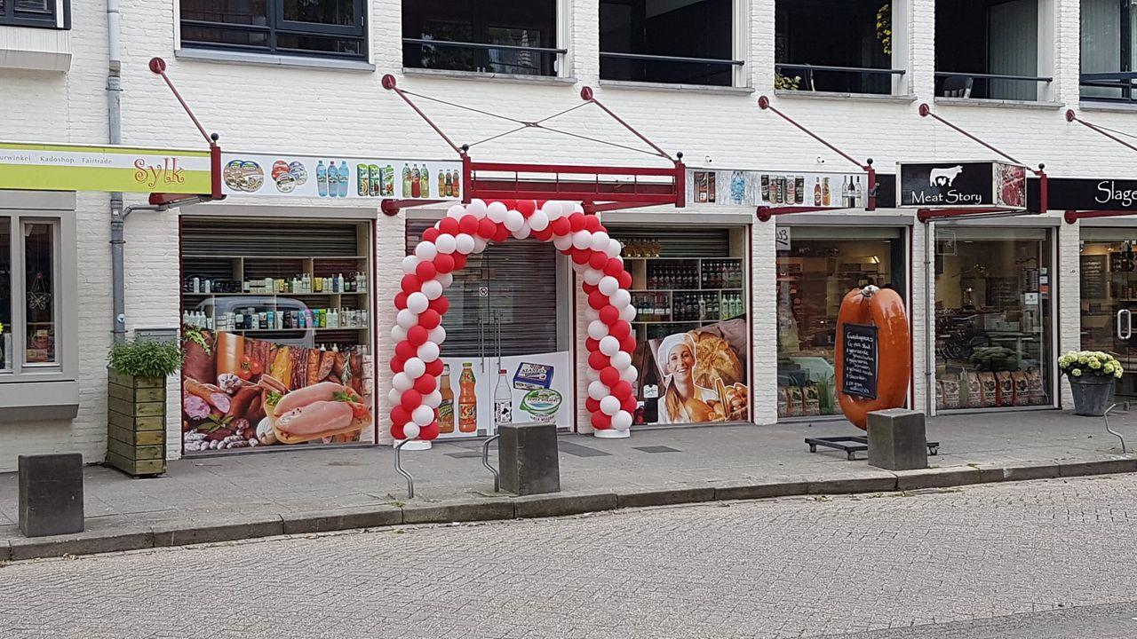 Poolse supermarkt Heeswijk-Dinther maanden na de aanslag weer open
