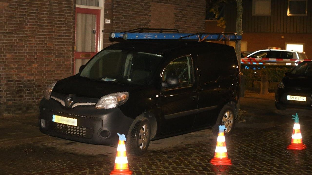 Geparkeerde bestelwagen beschoten in Graafsewijk Den Bosch