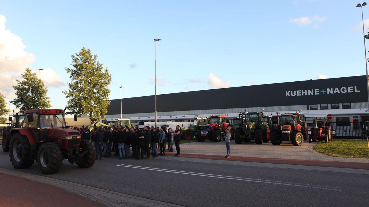 Boeren blokkeren toegang Kuehne+Nagel