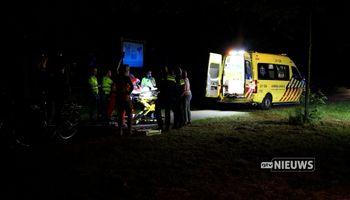 Voorbijgangers vinden zwaargewonde scooterrijder op fietspad in Volkel