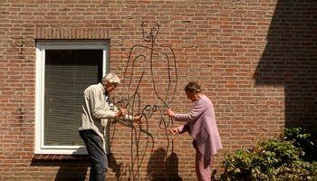 Wandelen langs kunst, gewoon voor het raam, in tuinen en parken, dat kan vanaf donderdag in de wijk Ussen.